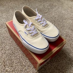Vans Authentic Platform canvas classic white